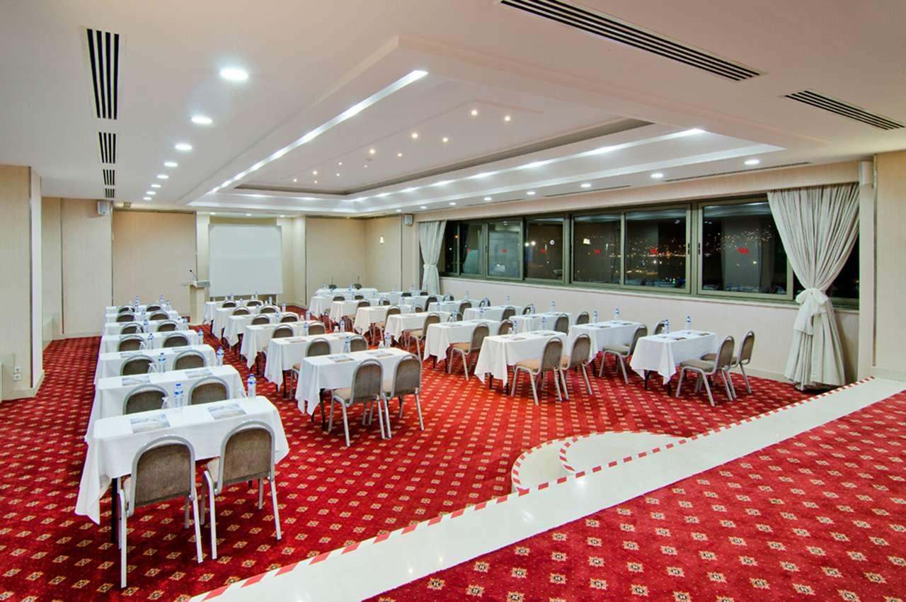 Artemis salon korumar hotel de luxe for Salon de luxe